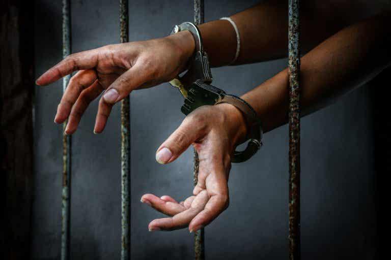 ¿Qué harías tú en el dilema del prisionero?