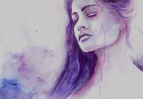 Mujer llorando sintiendo tristeza
