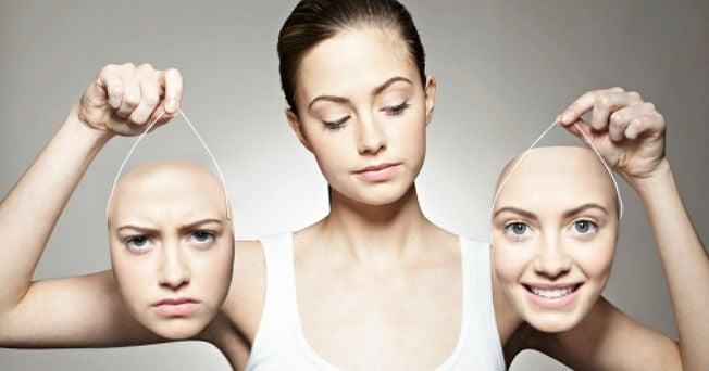 Mujer con dos caras y trastorno bipolar