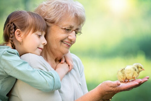 Abuela con nieta