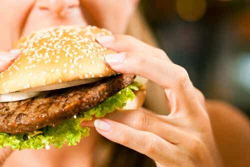 El hambre emocional es uno de los disfraces favoritos de la ansiedad