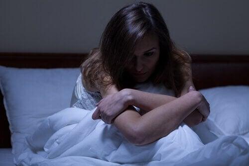 Mujer con insomnio