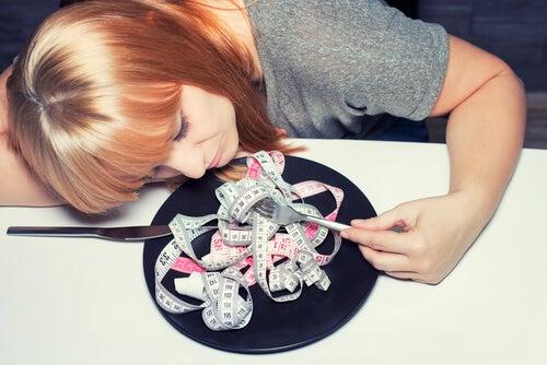 Adolescente con trastorno alimentario