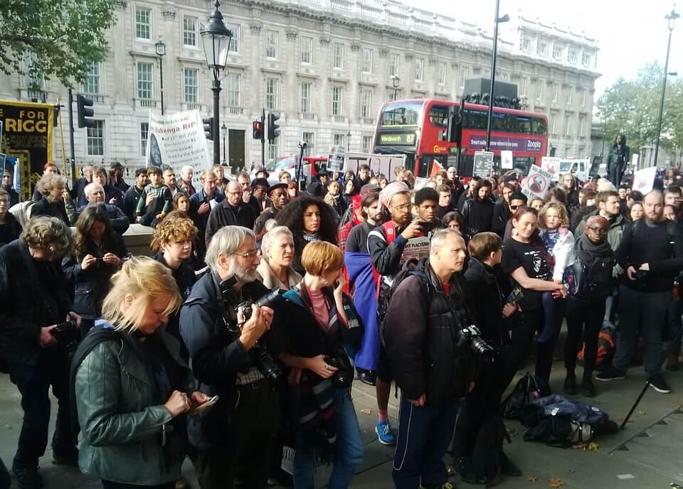 personas en una manifestación
