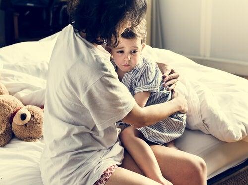 Niño con pedifobia