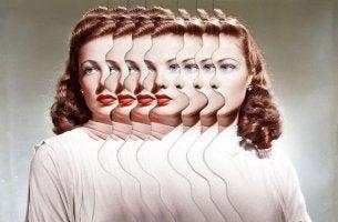 Mujer conr ostro borroso entre ansiedad y estrés
