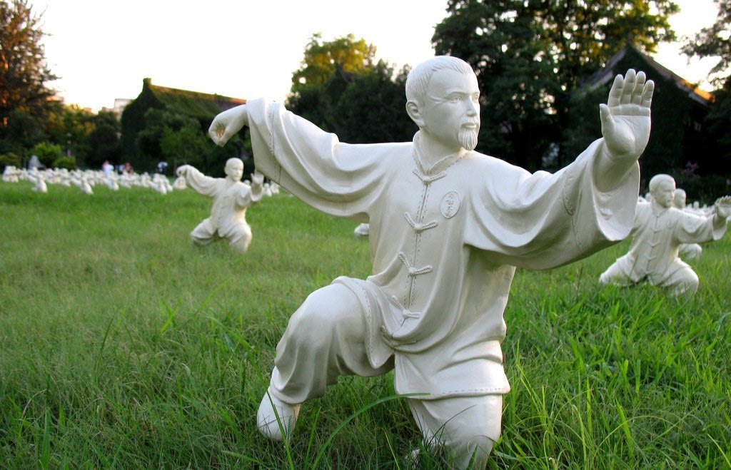 estatua que representa el Tai-Chi