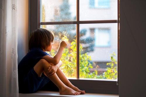 La ansiedad por separación: la importancia del apego en la salud de los pequeños