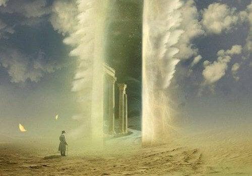 hombre avanzando hacia puerta del cielo