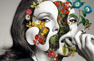 mujer con rostro fragmentado con gestos interesantes