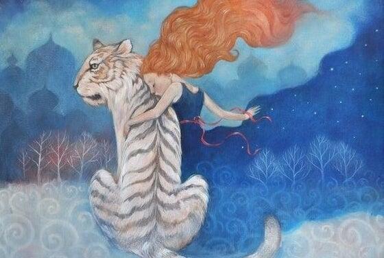 mujer con tigre