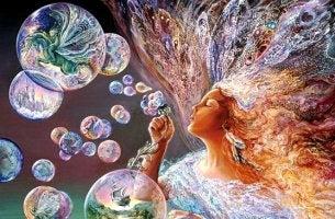 mujer haciendo pompas de jabón representando la madurez emocional