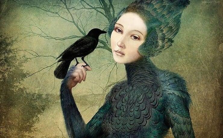 mujer sujetando cuervo y representando la personalidad pasivo-agresiva