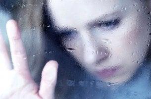 Mujer triste por desamor
