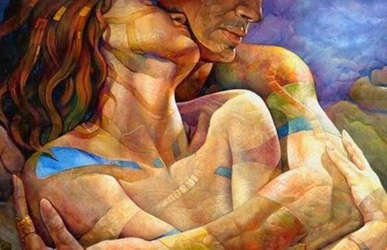 pareja abrazada por la espalda
