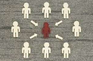 Persona afectada por la influencia social