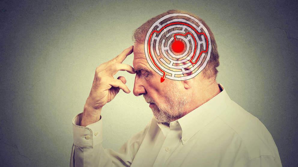 Hombre con problemas de amnesia anterógrada