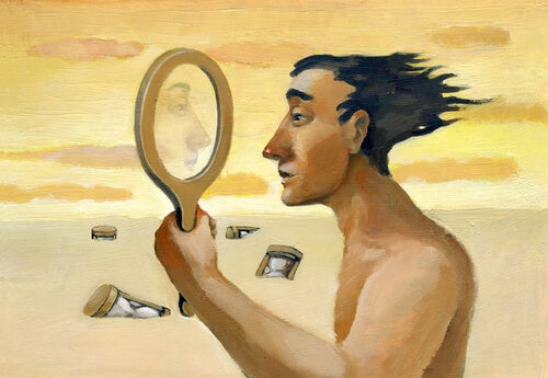 Hombre mirándose a un espejo