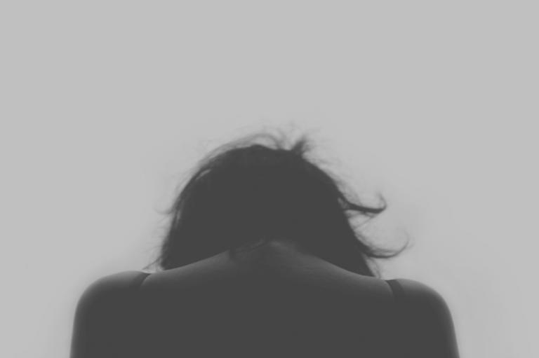 La huella invisible del maltrato