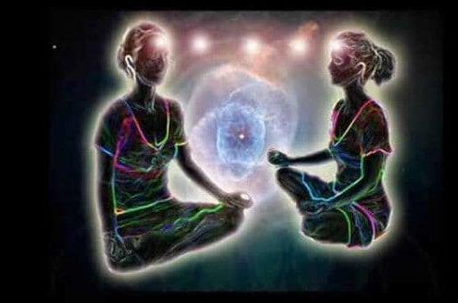 personas conectadas por medio de la telepatía