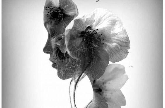 rostro femenino recortado en flores
