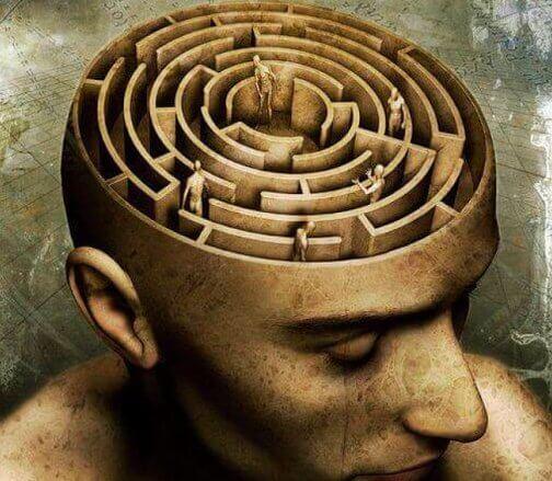Mente de un hombre en forma de laberinto representando las teorías de simbolizando la antipsiquiatría de David G. Cooper