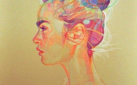 Mujer con expresión seria