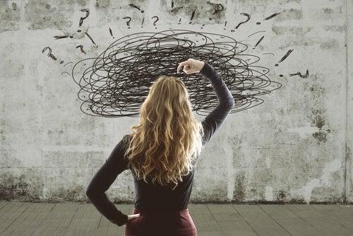 ¿Por qué nos equivocamos tanto al razonar y al resolver problemas?
