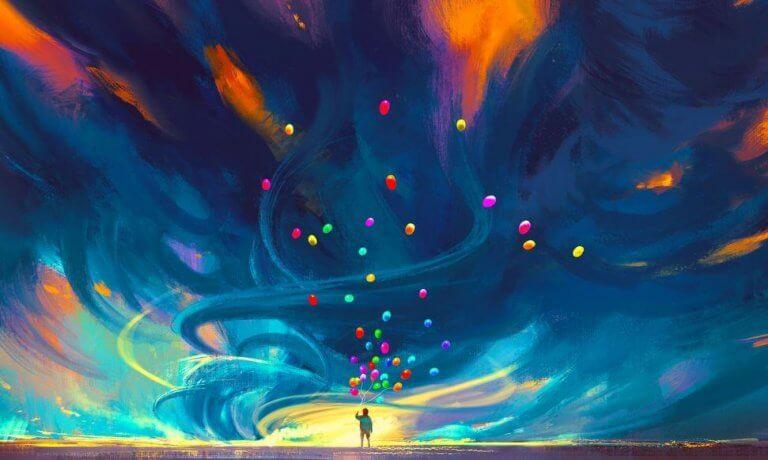 Persona con globo de colores