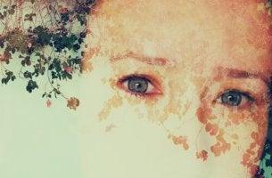 Rostro de una persona borrado representando la dificultad de la prosopagnosia
