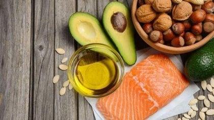 Aceite, salmón y otros alimentos ricos en Omega 3