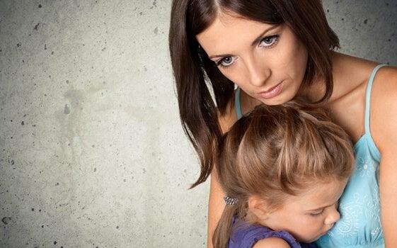 La preocupación obsesiva por mantener a salvo a los niños