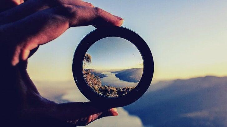 mano focalizando objetivo para aprender a motivarse