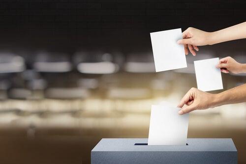 Manos con votos
