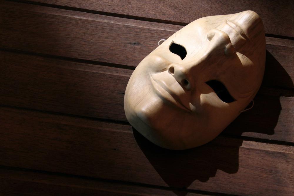Máscara con dos caras