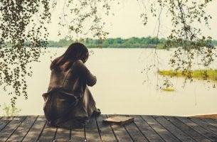 Mujer triste por la ruptura de su relación