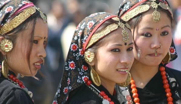 mujeres de Nepal víctimas de las tradiciones sexuales
