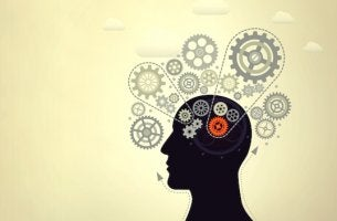 persona con engranajes buscando aumentar la inteligencia