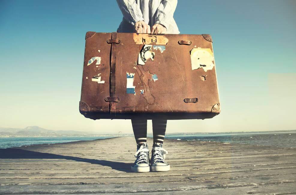 Persona con maleta