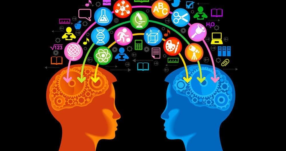 personas conectadas buscando aumentar la inteligencia