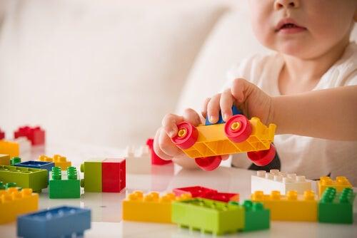 ¿Sabes que relación hay entre el juego y el desarrollo infantil?