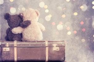 Dos ositos abrazados para representar las frases de amistad