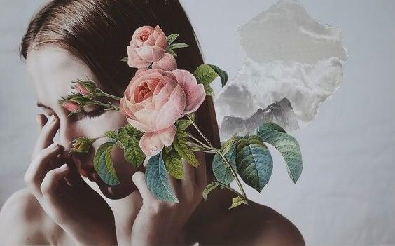 chica con flor pensando en esa voz en tu cabeza