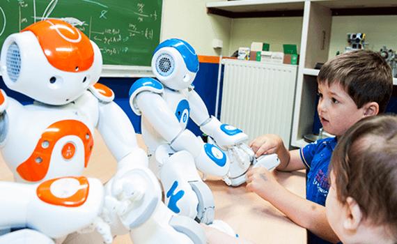 Niños con autismo con robots
