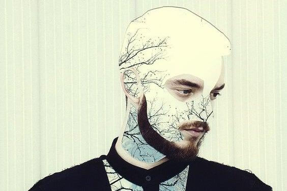 chico con barba simbolizando a las personas que rompen promesas