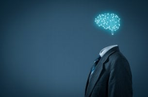 Hombre con cerebro de luces para representar el Modelo de inteligencia de Cattell