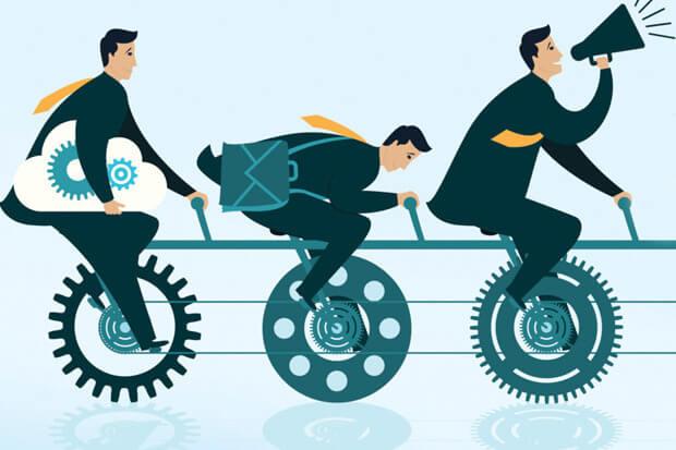 hombres que buscan mejorar tu productividad