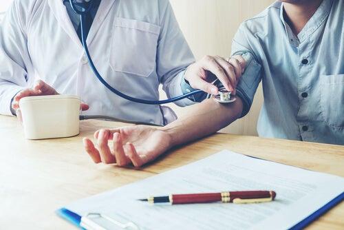 ¿Conoces la hipertensión de bata blanca?