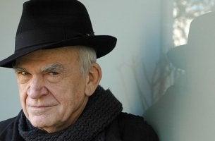 Foto de Kundera para representar las mejores frases de Milan Kundera