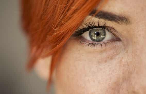 Cómo leer las emociones de alguien en sus ojos